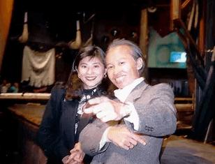 川添象郎さんと川添明子さん