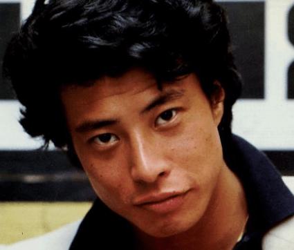 舘ひろしさんの若い頃のイケメン画像を発掘!|芸能人の若い頃